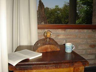 Lampara Tipo Edison en tronco, Bombilla Vintage Lamparas Vintage Vieja Eddie LivingsIluminación Madera