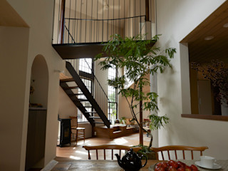Mimasis Design/ミメイシス デザイン Ruang Makan Modern Kayu Wood effect
