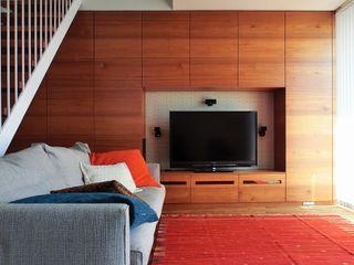 Mimasis Design/ミメイシス デザイン Ruang Keluarga Modern