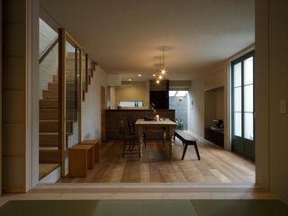 Mimasis Design/ミメイシス デザイン Modern living room Wood effect