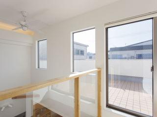 福島工務店株式会社 Maisons modernes Blanc