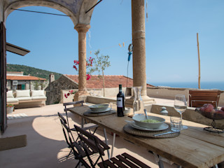 Verezzi con3studio Balcone, Veranda & Terrazza in stile mediterraneo Cemento Beige