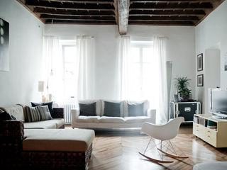 Bogino con3studio Soggiorno in stile scandinavo Bianco