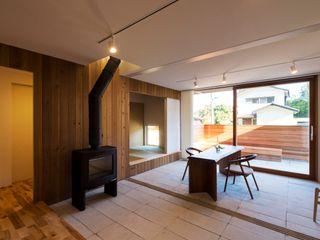 エヌ スケッチ Eclectic style corridor, hallway & stairs Concrete
