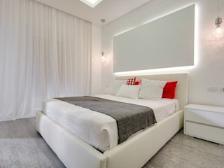 UN APPARTAMENTO D'ELITE SERENA ROMANO' ARCHITETTO Camera da letto moderna