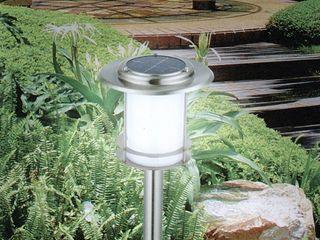 Solarstandleuchen zur sicheren Beleuchtung Ihres (Eigen-)heimes Solarlichtladen.de GartenBeleuchtung Eisen/Stahl Metallic/Silber