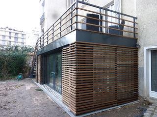 Olivier Stadler Architecte Modern balcony, veranda & terrace Wood Wood effect