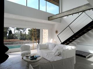frederique Legon Pyra architecte Salas de estilo moderno