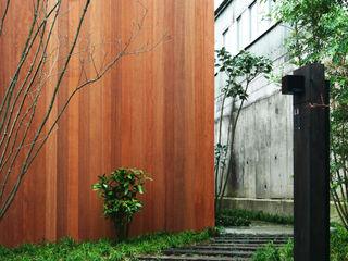 Mimasis Design/ミメイシス デザイン Rumah Modern Wood effect