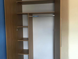 Piwko-Bespoke Fitted Furniture 臥室衣櫥與衣櫃 刨花板 Wood effect