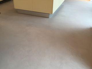Küche und Essbereich im Betonlook Farbpunkt Sobert & Ierardi GbR