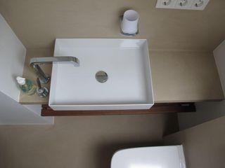 Bad im Betonlook Farbpunkt Sobert & Ierardi GbR Moderne Badezimmer