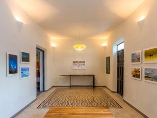 CERVERA SÁNCHEZ ARQUITECTOS 隨意取材風玄關、階梯與走廊