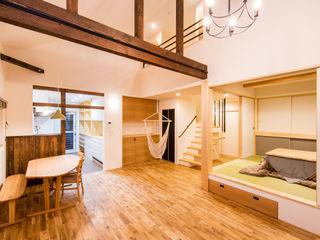 株式会社ルティロワ 一級建築士事務所 Salones de estilo moderno