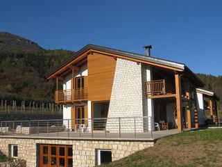 CASA SENZA PETROLIO STUDIO ABACUS di BOTTEON arch. PIER PAOLO Casa rurale