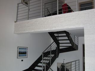 CASA SOLE STUDIO ABACUS di BOTTEON arch. PIER PAOLO Ingresso, Corridoio & Scale in stile rurale