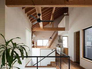藤森大作建築設計事務所 Modern Oturma Odası Beyaz