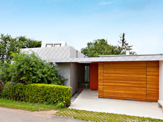 DANKE Architekten Finestre & Porte in stile moderno