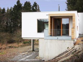DANKE Architekten Balcone, Veranda & Terrazza in stile moderno