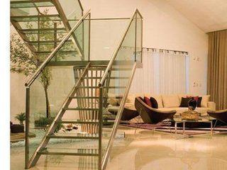 Deise leal interiores Pasillos, vestíbulos y escaleras de estilo moderno Vidrio
