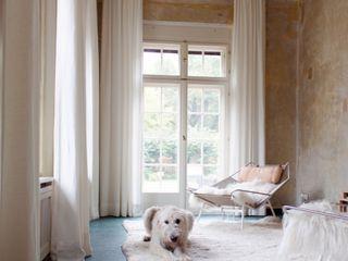 Lena Klanten Architektin Country style conservatory Amber/Gold