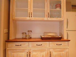 Mueble alacena y mesa de comedor FUSTERS CÓRDOBA CocinaAlmacenamiento y despensa Madera maciza