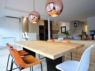 BONBA studio Classic style dining room