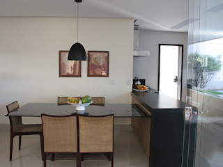 FAGM Arquitetos Modern dining room