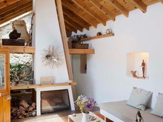 pedro quintela studio Living room Stone Wood effect