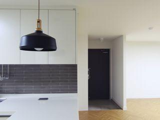 Light&Salt Design Sala da pranzo moderna
