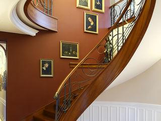 Trąbczyński Pasillos, vestíbulos y escaleras de estilo clásico Madera