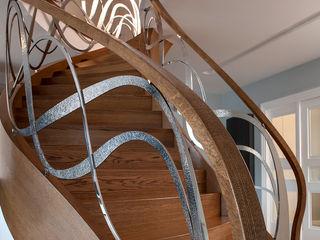 Trąbczyński Pasillos, vestíbulos y escaleras de estilo moderno Madera