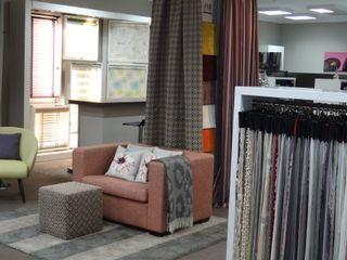 Schowroom/Polsterei/Nähatelier JUSCZYK raum+ausstattung Moderne Geschäftsräume & Stores