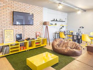 JERAU Projetos Sustentáveis Edificios de oficinas de estilo industrial Amarillo