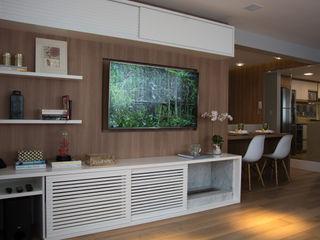 Stúdio Márcio Verza Living room Wood Wood effect