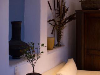 Casa Residencial SDHR Arquitectura Salas de estilo clásico Contrachapado Blanco