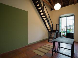 Remodelacíon Oficina con Altillo SDHR Arquitectura Oficinas y Tiendas Madera Acabado en madera
