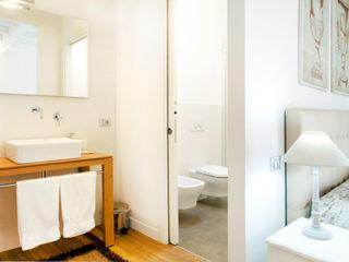 senzanumerocivico Modern Bathroom