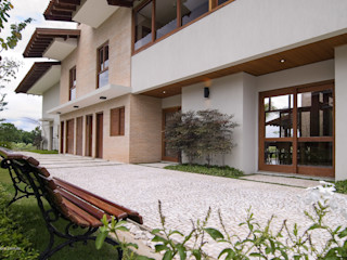 Casa em Itu Mellani Fotografias Modern balcony, veranda & terrace
