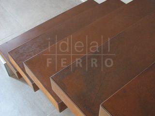 Acciaio corten Ideal Ferro snc Ingresso, Corridoio & Scale in stile eclettico