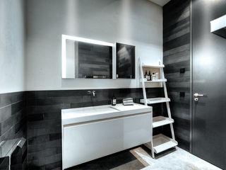 badconcepte Minimalist style bathroom