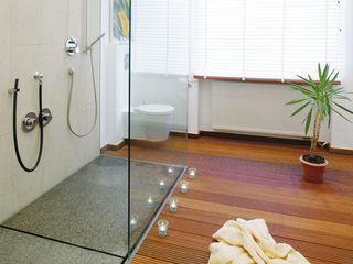 baqua - Manufaktur für Bäder BathroomBathtubs & showers