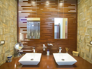 Arq Mobil Modern Bathroom Wood Wood effect