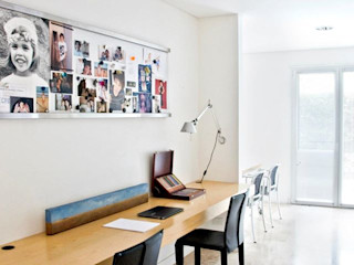 CASA EN SAN ISIDRO Arq. PAULA de ELIA & Asociados Estudios y oficinas modernos