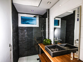 MB Architecte Modern bathroom Grey