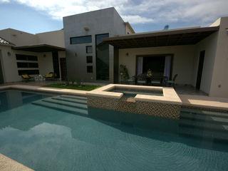 Lo Interior Eclectische zwembaden