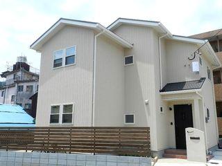 Live Sumai - アズ・コンストラクション - Scandinavian style houses Grey