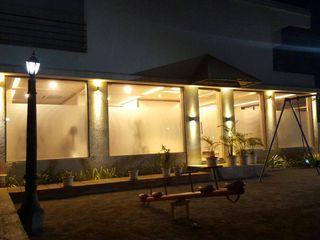 Alaya D'decor Espacios comerciales de estilo moderno