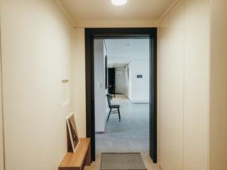분당구 수내동 아파트 (before& after) 샐러드보울 디자인 스튜디오 모던스타일 발코니, 베란다 & 테라스