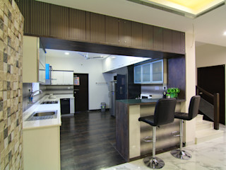 Kitchen with Breakfast Counter KREATIVE HOUSE Kitchen